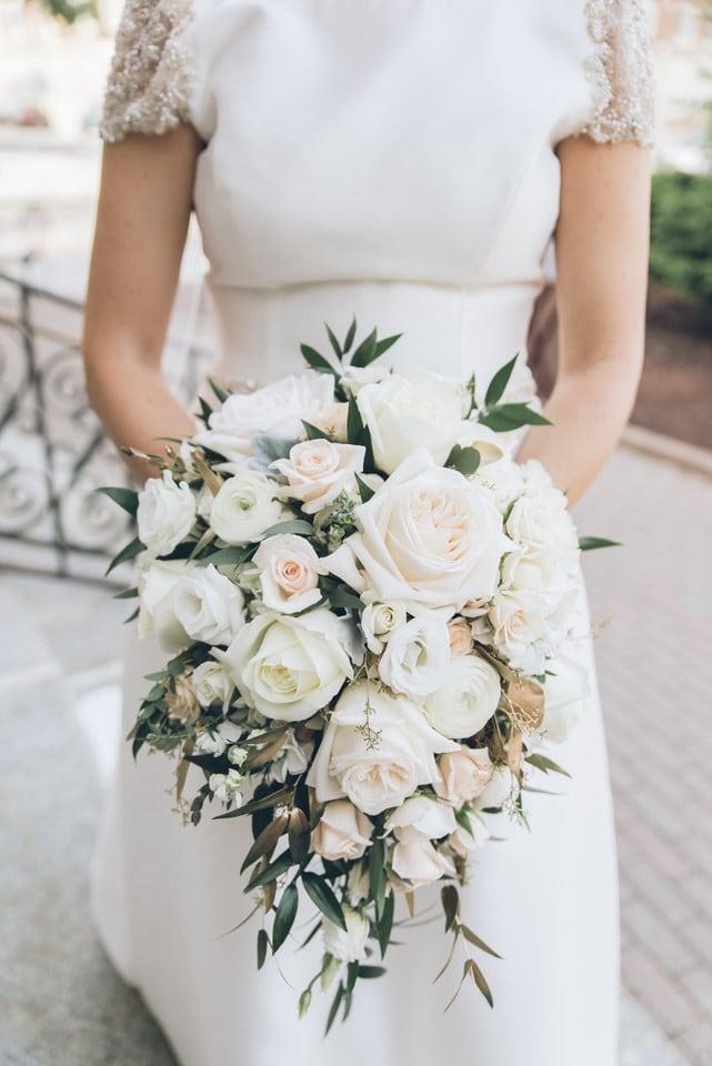 close-up shot of brides bouquet, milwaukee wedding photographer portfolio