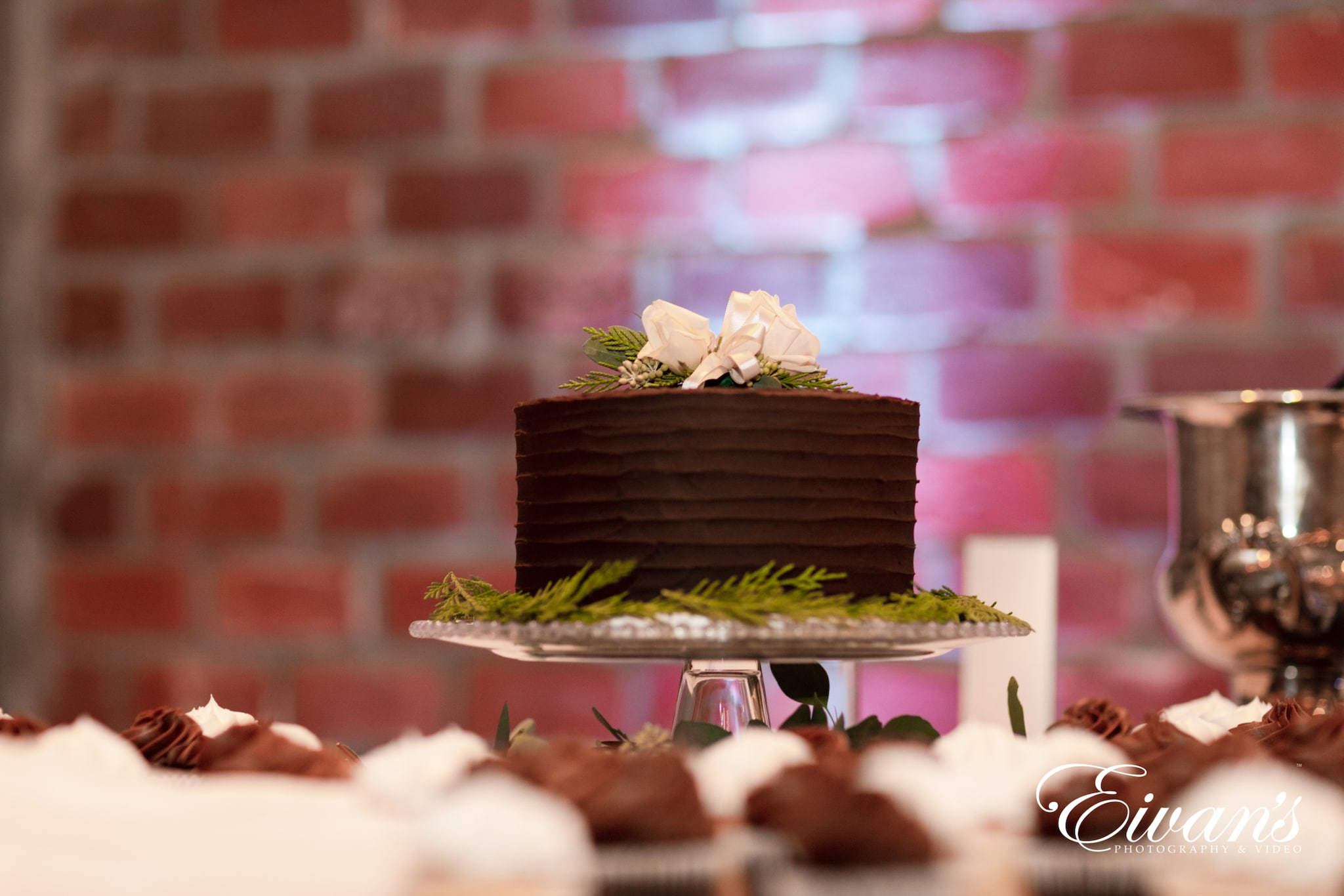 image of a chocolate cake with deckled edges