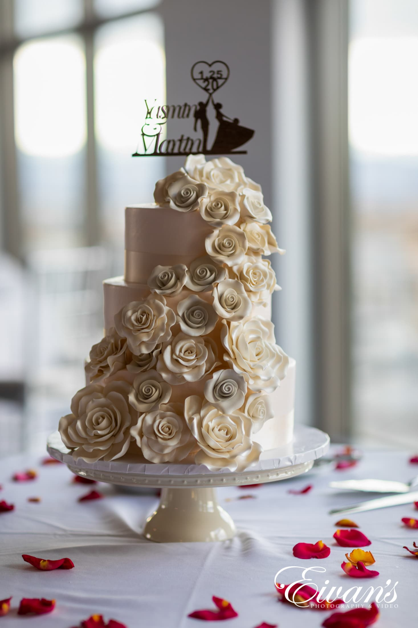 gold and white floral cake