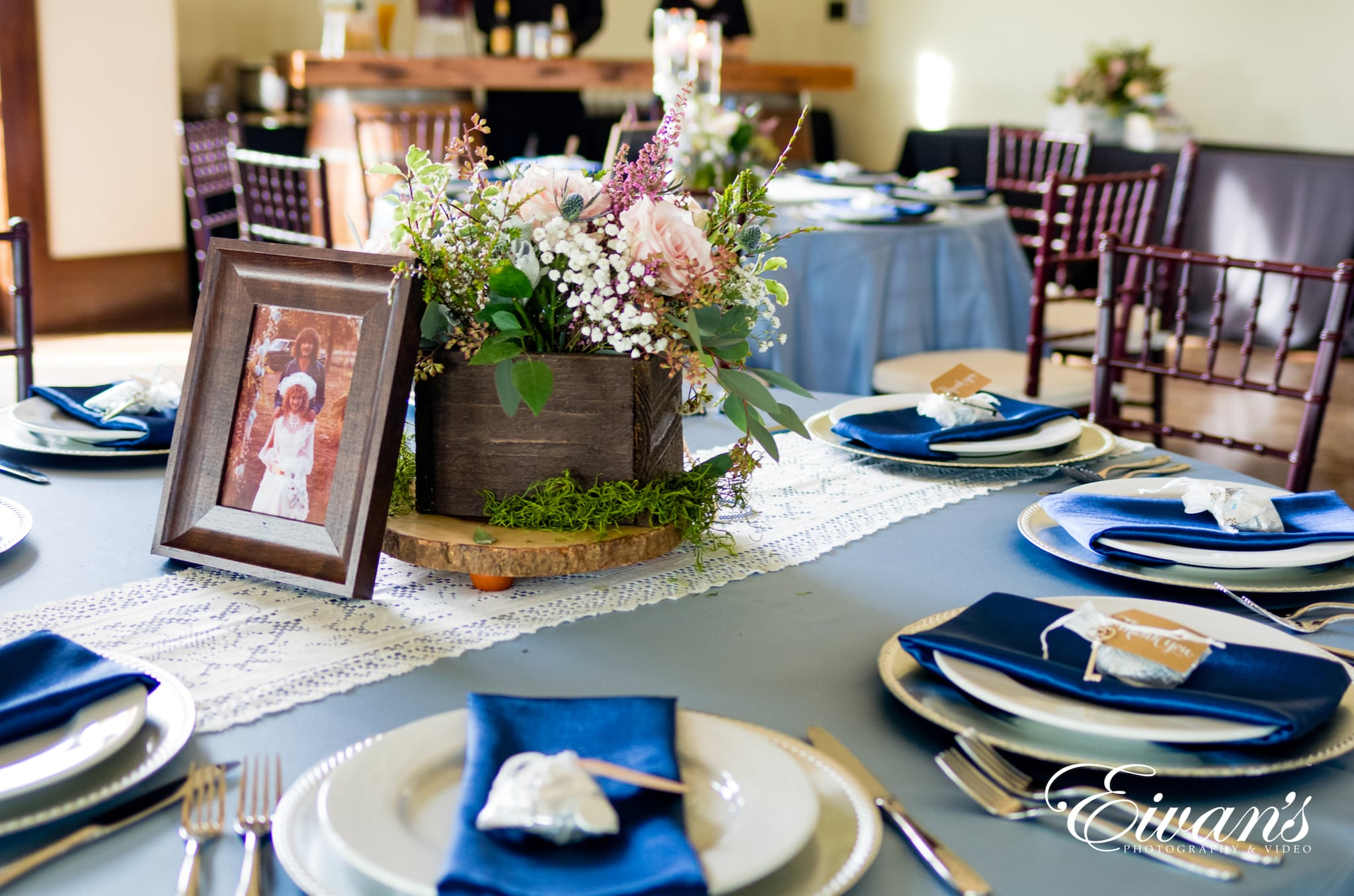 close of image of a table setting
